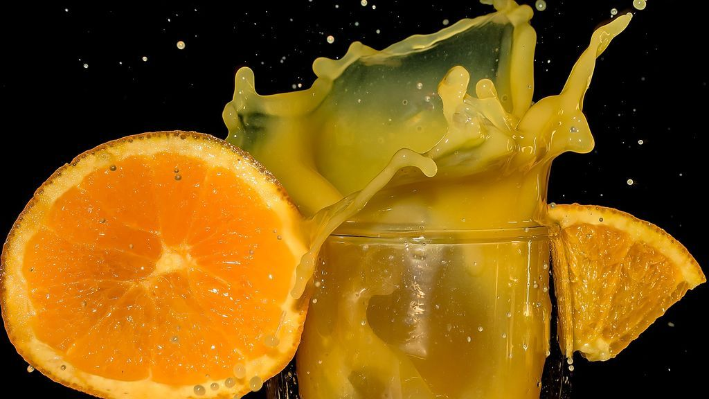 Por qué comer una naranja entera es mejor que beber su zumo recién exprimido