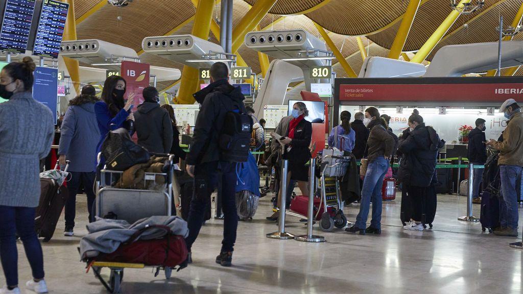 """Los 27 rechazan el """"pasaporte"""" covid y restringen la movilidad intra europea"""