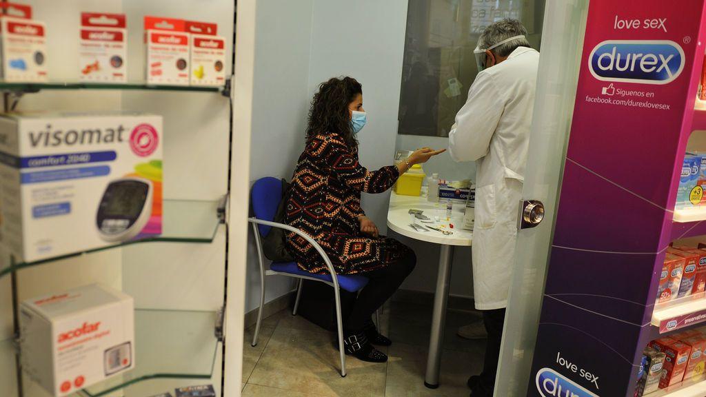 Las farmacias de Madrid harán test de antígenos a partir del 1 de febrero
