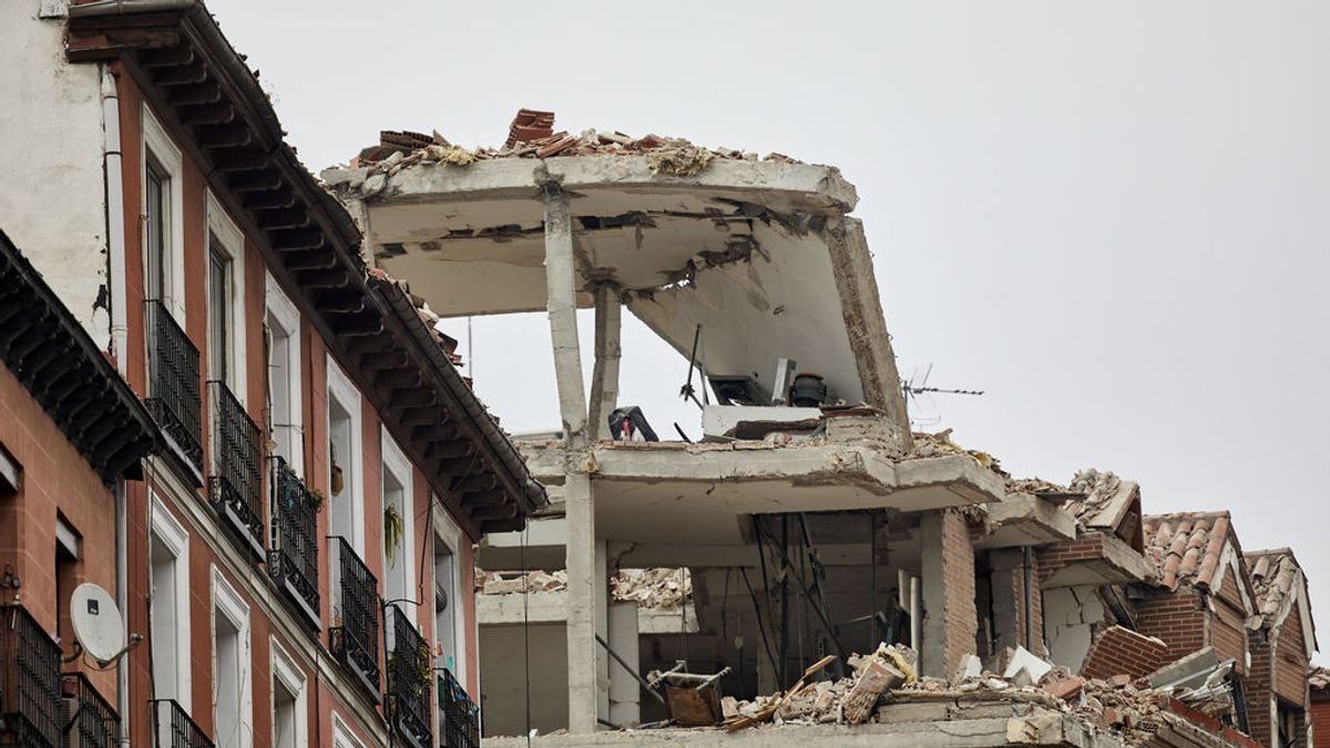 Sin paredes ni ventanas: la explosión del edificio de la calle Toledo de Madrid, desde una casa destruida