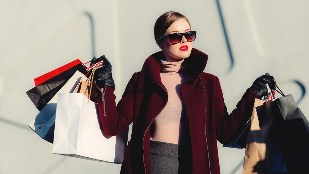 Cinco apps de moda para irte de compras sin necesidad de moverte de tu sofá