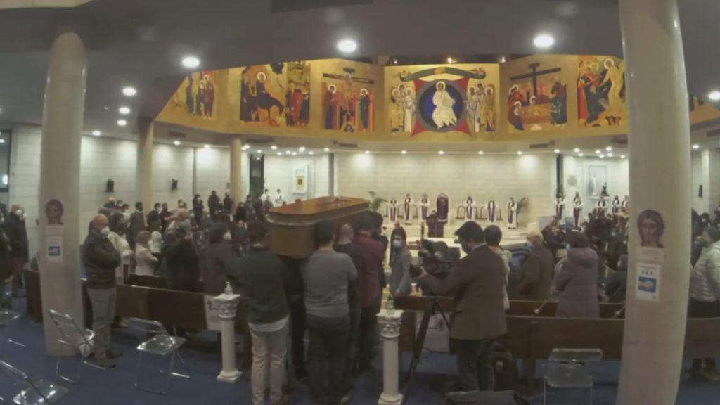 """Funeral por Rubén y David, dos de los fallecidos en la explosión de gas en Madrid: """"Se les ha abierto el cielo""""AR"""