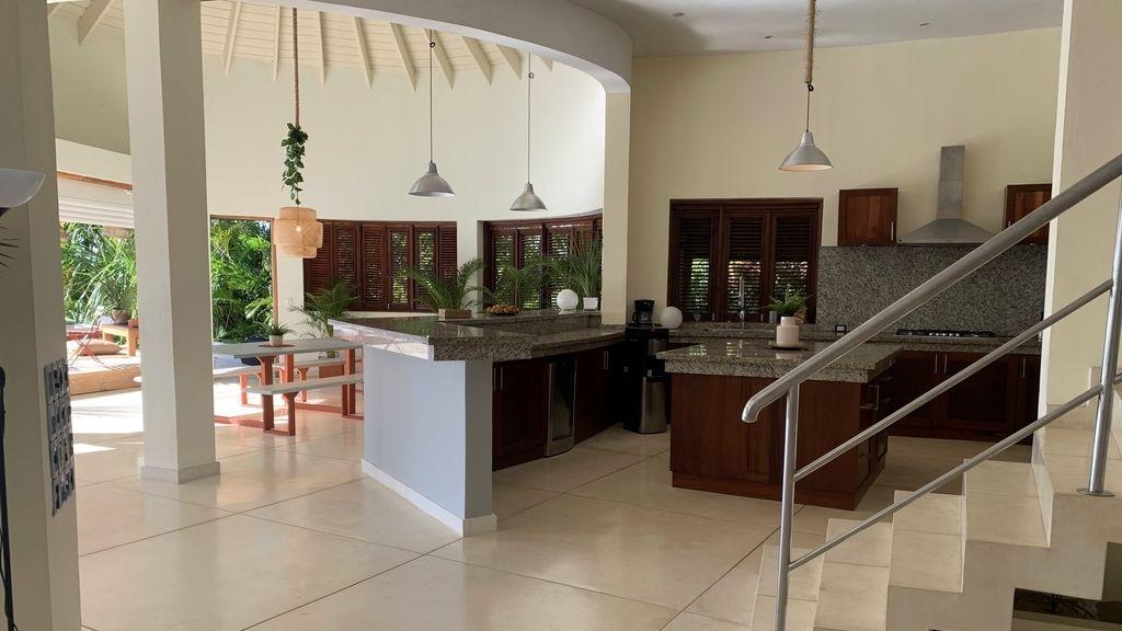 Así es Villa Playa por dentro, la espectacular casa donde viven los chicos junto a las solteras