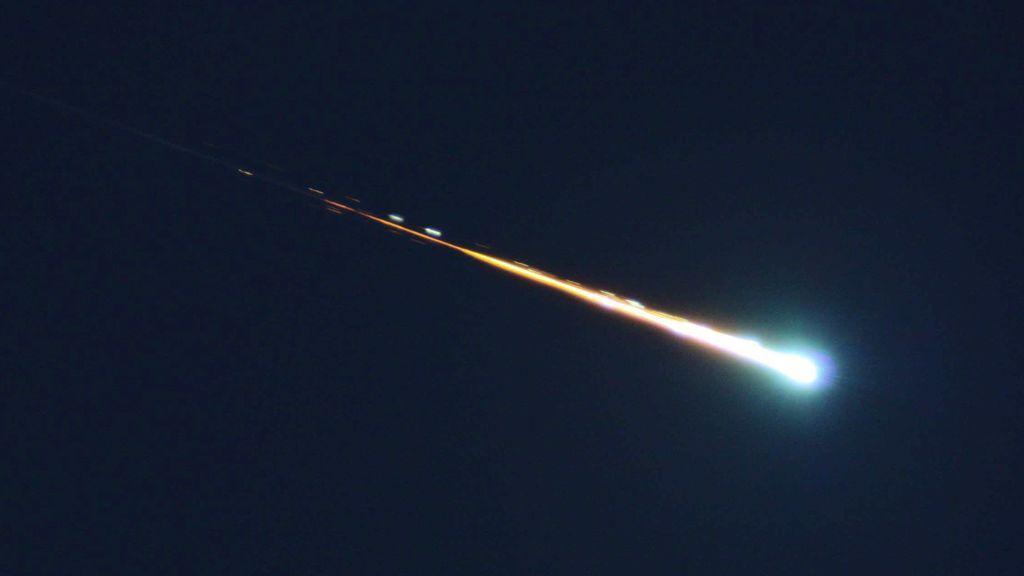 Una bola de fuego cruza el cielo de Madrid a 126 mil km/hora