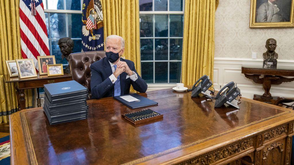 Biden elimina el 'botón rojo' para recibir coca colas que puso Trump en el Despacho Oval