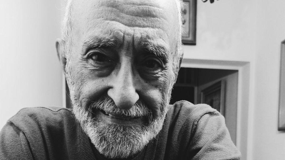 """""""Mi abuelo se ha tatuado por primera vez a los 91 años para recordar a mi abuela: no puedo dejar de creer en el amor"""""""