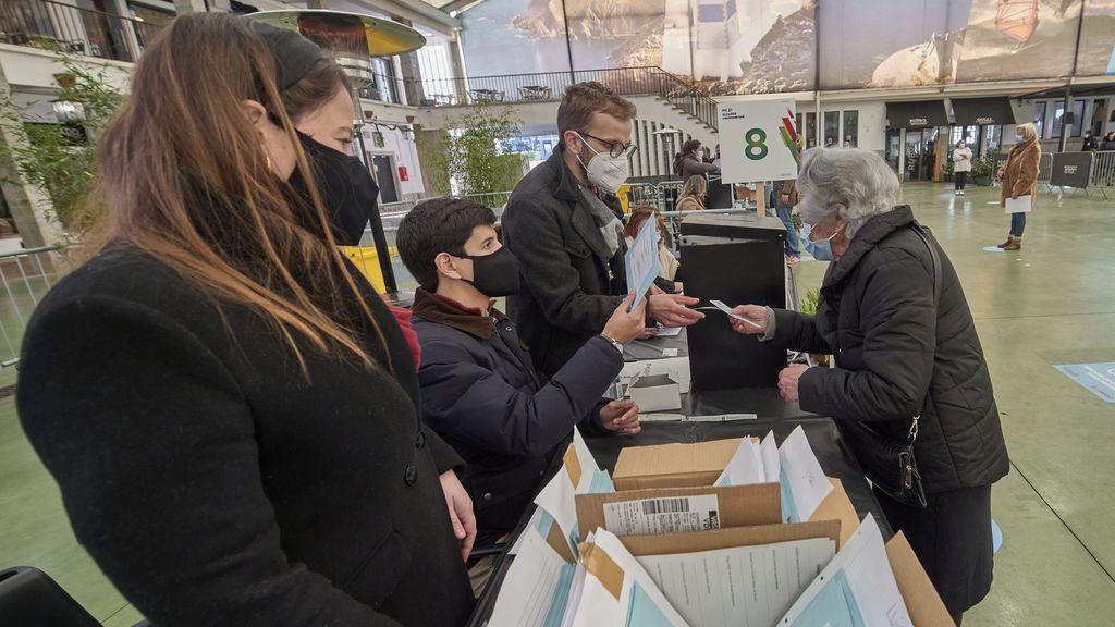Lo que Cataluña puede aprender de las elecciones en Portugal: un país confinado que sí vota a su presidente