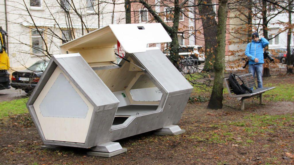 La ciudad alemana de Ulm instala cápsulas futuristas para refugiar a las personas sin hogar
