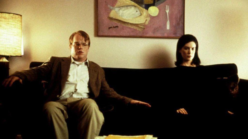 El sofá que nunca llega y que se convirtió en metáfora