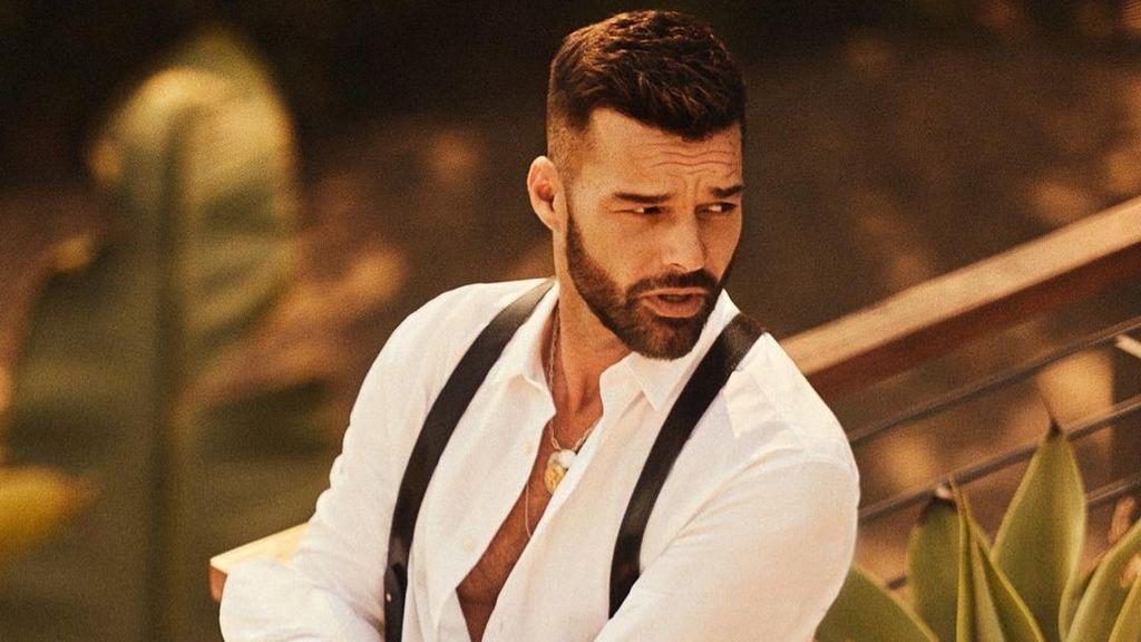 """Ricky Martín cambia inesperadamente de look y sus seguidores se quedan sin palabras: """"Cuando estás aburrido"""""""