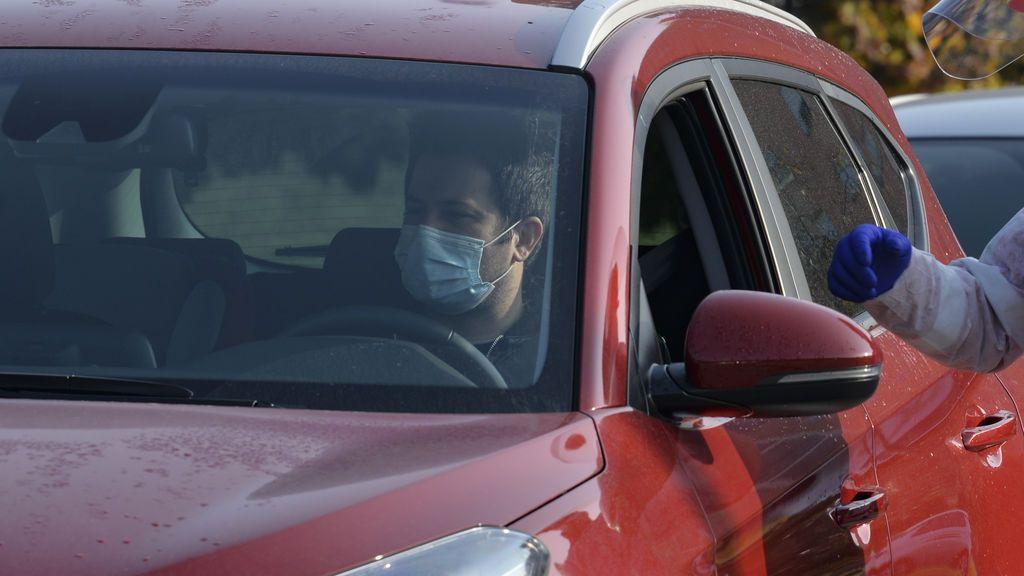 El contagio de coronavirus en el coche: los científicos recomiendan abrir las ventanas