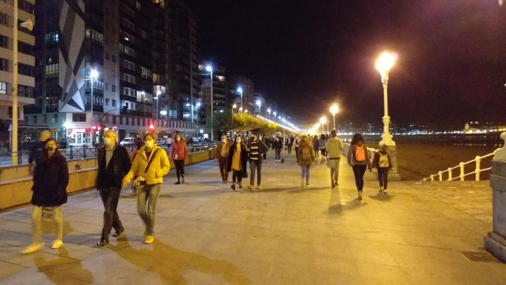 Gijón y Mieres comienzan a aplicar el cierre perimetral y las restricciones del nivel '4+' este domingo