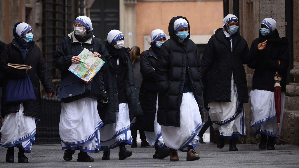 La pandemia se acerca a los 99 millones de contagios globales tras 567.000 casos en el último día