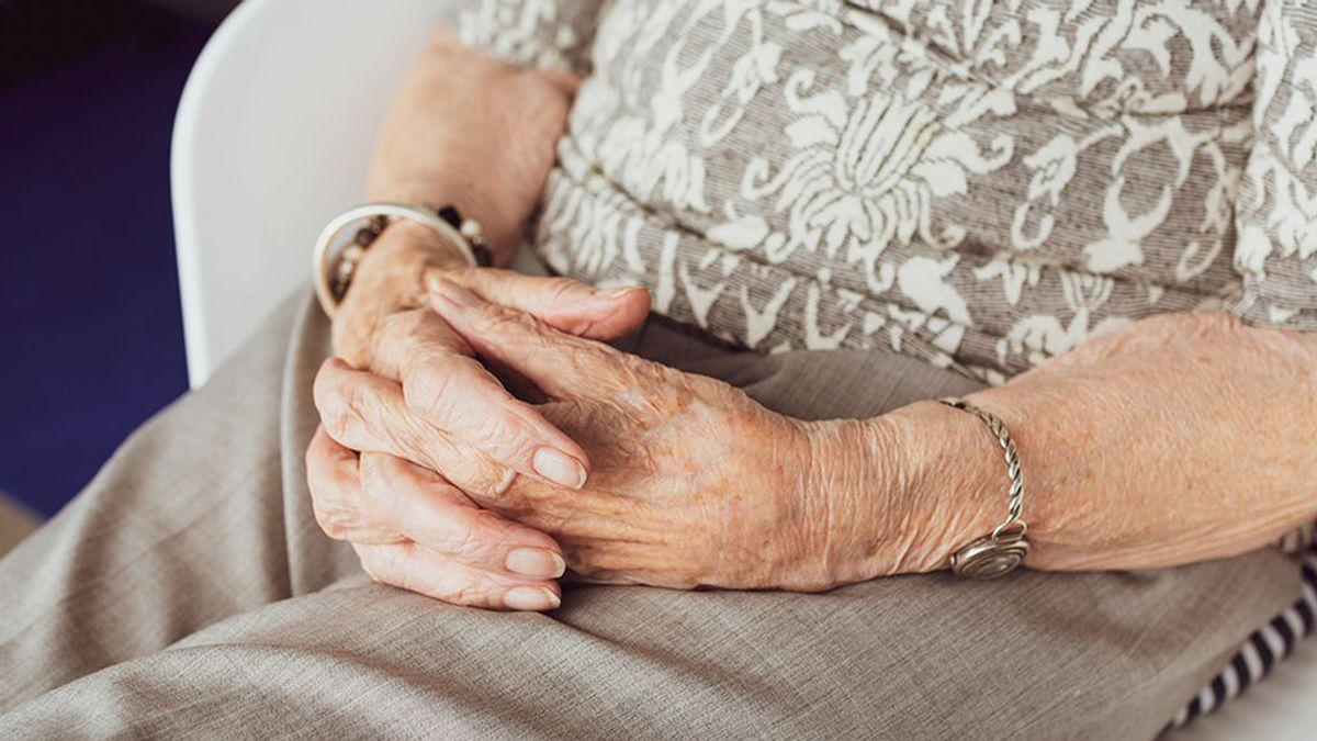 Notifican por error la muerte de una anciana de una residencia de Lugo tras confundirla con otra usuaria