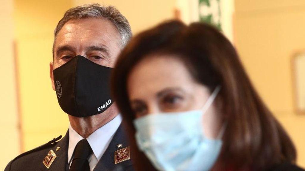 """Vox apunta a Margarita Robles: """"Quien dio la orden al Jemad de vacunarse debe dimitir"""""""