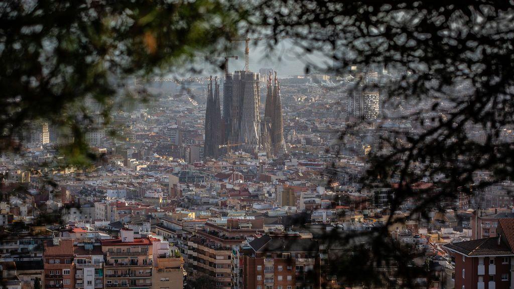 Cataluña confirma que sufre transmisión comunitaria de la cepa británica de la covid-19