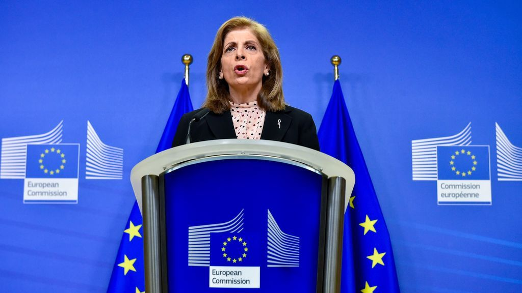 Escasez de vacunas: la UE sospecha que AstraZeneca ha vendido a otros países las dosis reservadas por Europa