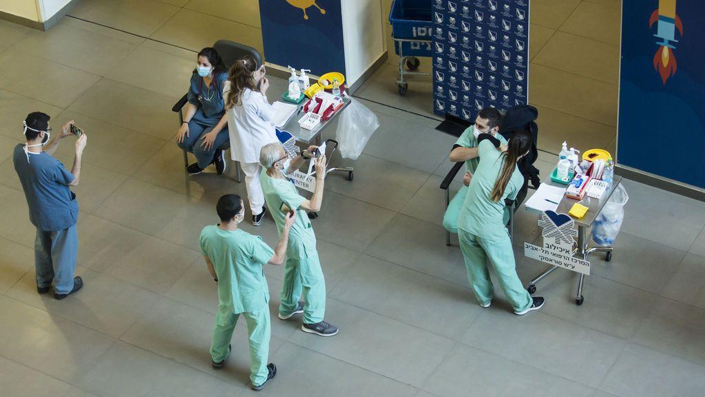 Israel se blinda contra la covid: cierra su aeropuerto internacional mientras lidera la vacunación mundial