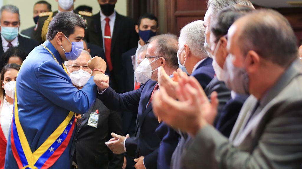 """Maduro dice que tienen un antiviral que """"neutraliza al cien por cien"""" el coronavirus"""