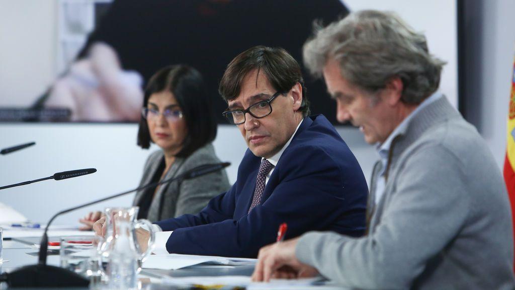 Los ocho ministros de Sanidad con los que ha trabajado Fernando Simón