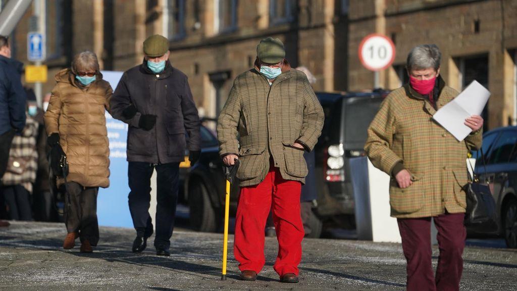 Reino Unido, primer país europeo en superar los 100.000 muertos