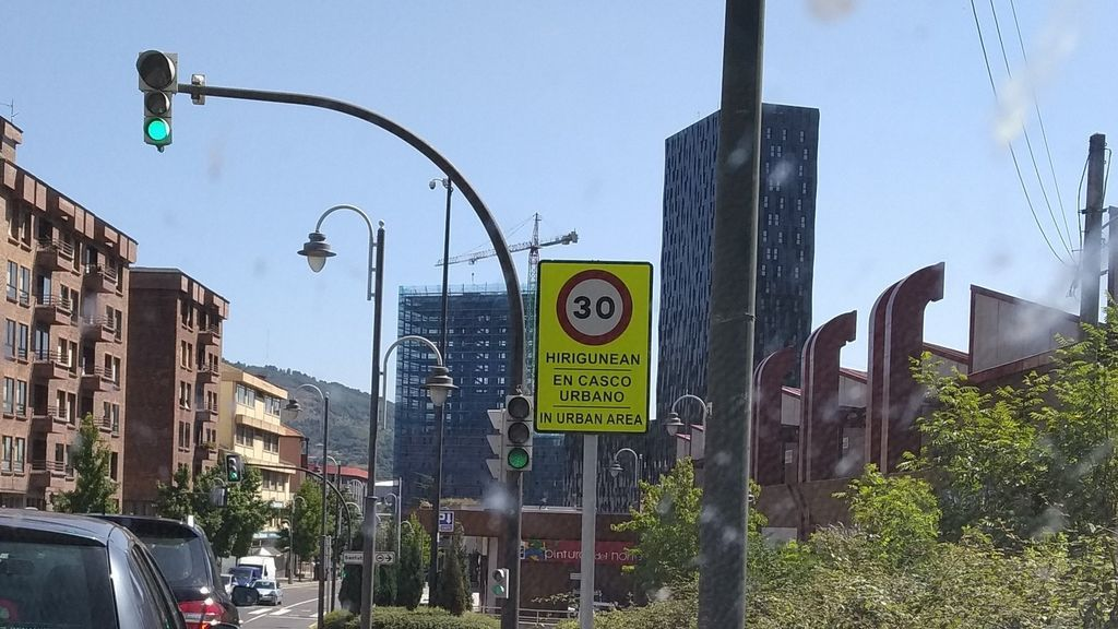 Sin señales y sin semáforos: así serán la transformación del tráfico de las ciudades que empezará en mayo