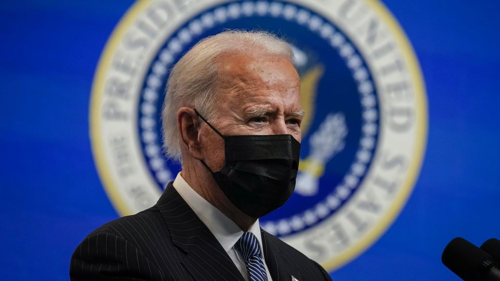 """Biden anuncia 150 millones de dosis diarias de vacunas contra la covid para lograr """"inmunidad colectiva"""" en verano"""