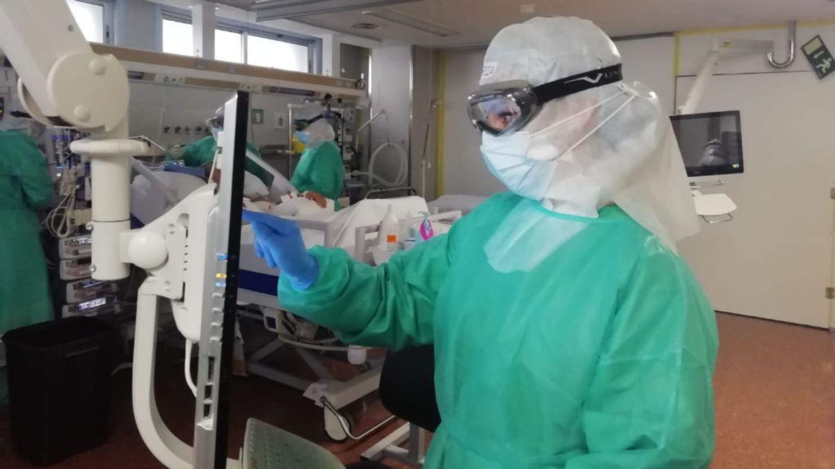 Los hospitales de Galicia, con cifras nunca vistas: 1031 personas en planta y 170 en UCI