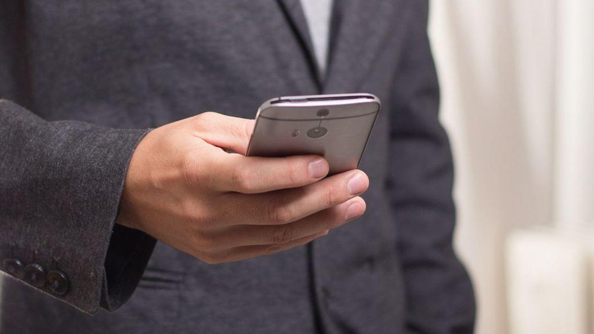 Cuidado con los SMS de Correos: la OCU alerta de una estafa para robarte los datos bancarios
