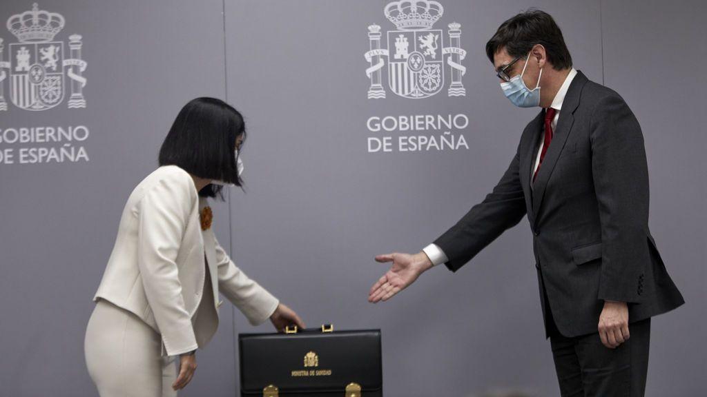 """Carolina Darias toma posesión: """"La lucha contra la pandemia es una guerra sin tregua. Lo vamos a conseguir"""""""