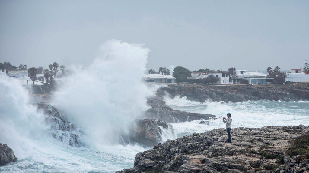 Se acerca 'Justine' con posible ciclogénesis explosiva: la borrasca provocará un vendaval y olas de 10 metros
