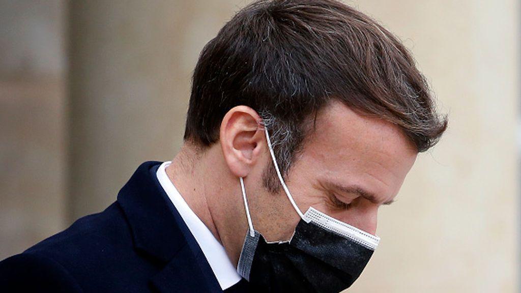 Macron duda entre si confinar Francia totalmente por segunda vez o endurecer las medidas