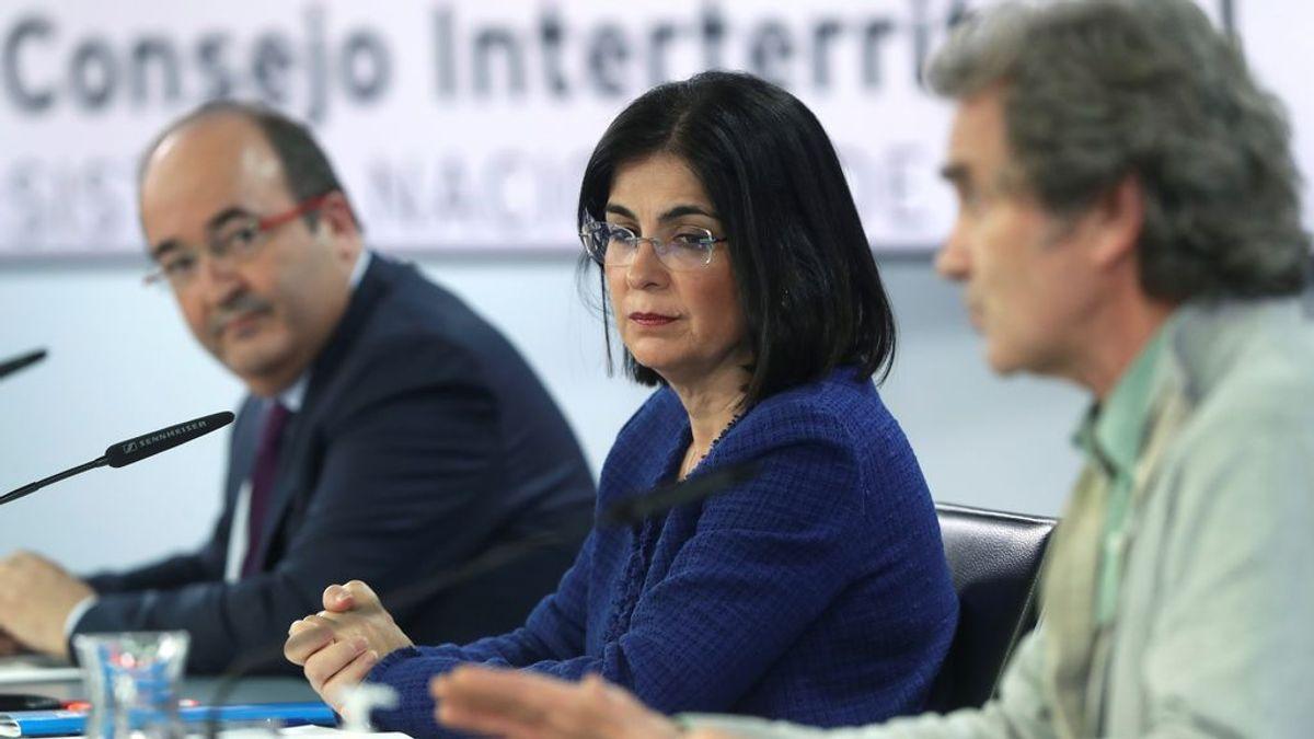 """Carolina Darias: """"Habrá multas  para quien se cuele en la vacunación"""""""