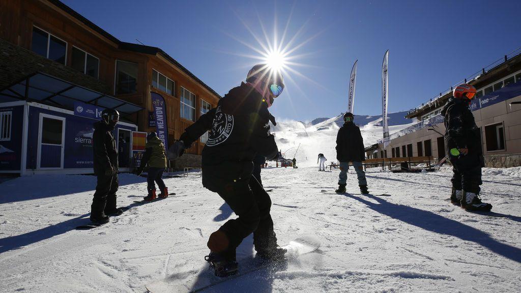 Sierra Nevada limita su actividad al esquí profesional y solicita un ERTE para sus trabajadores