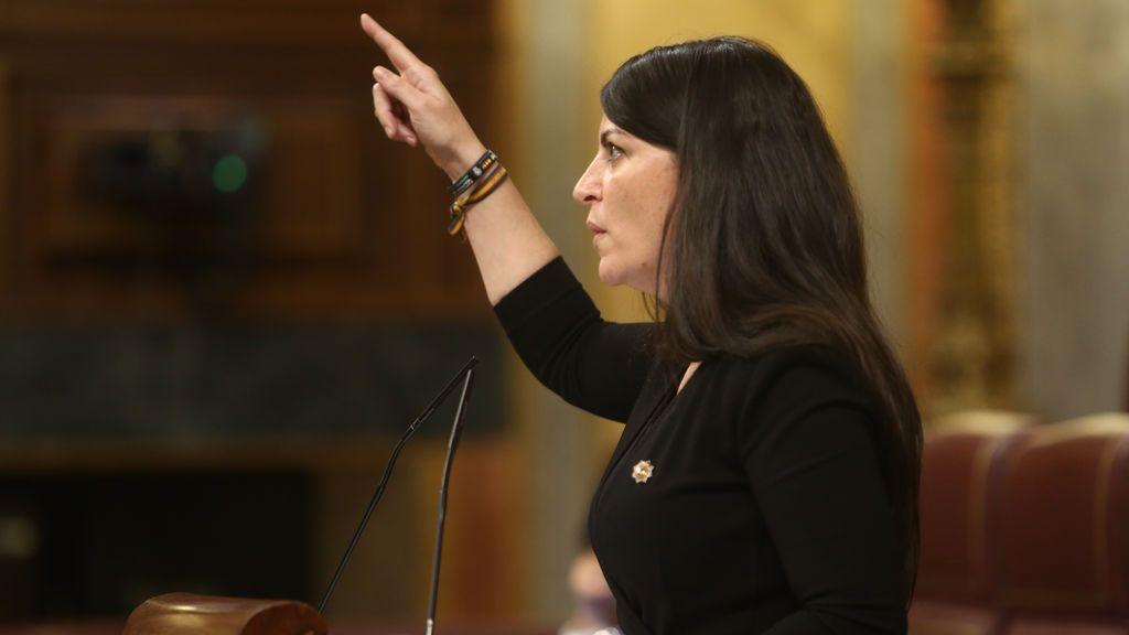 La diputada de Vox, Macarena Olona, en la tribuna del Congreso