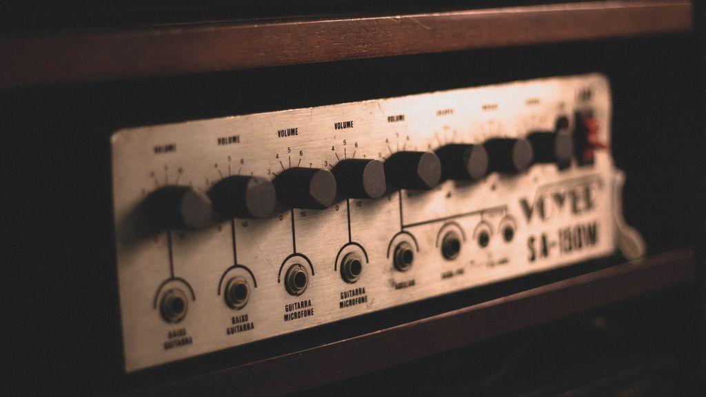 La minicadena: la solución para mejorar el sonido de tu televisor