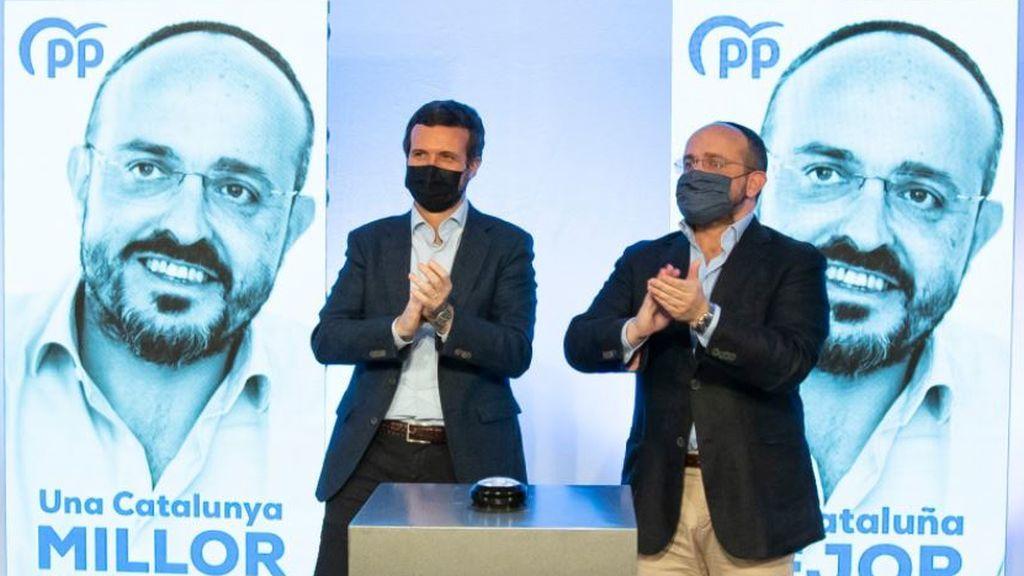 Pablo Casado junto al candidato del PP a la Generalitat, Alejandro Fernández