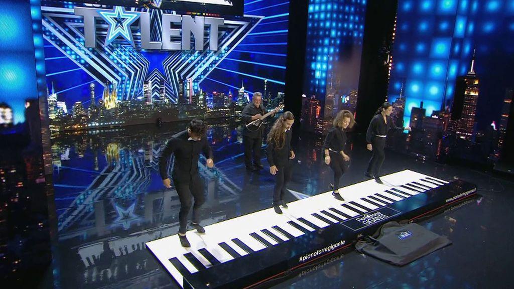 """Pianoforte sorprende con su instrumento """"pero no con su performance"""""""