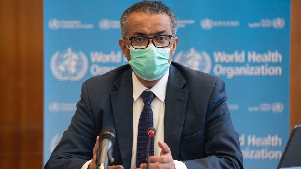 """La OMS pide a las personas en """"menor riesgo"""" de COVID-19 que """"esperen su turno para vacunarse"""""""