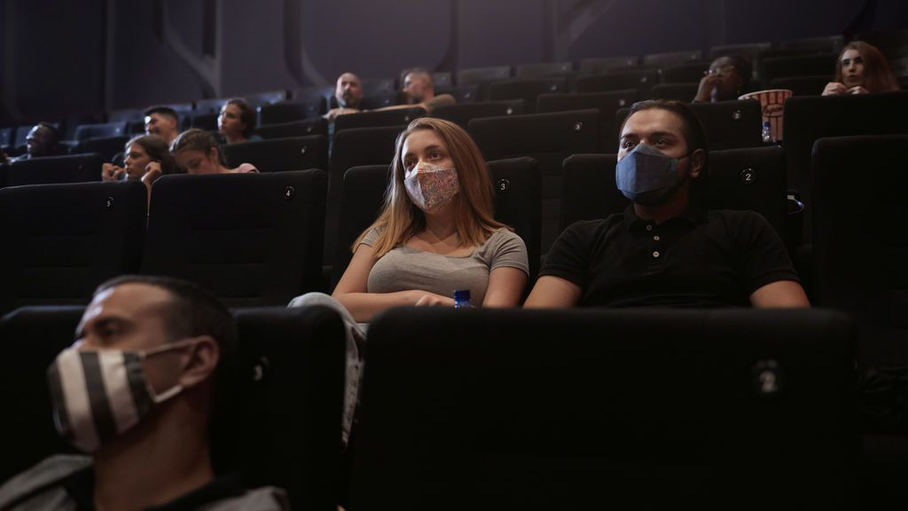 Espectadores de cine covid