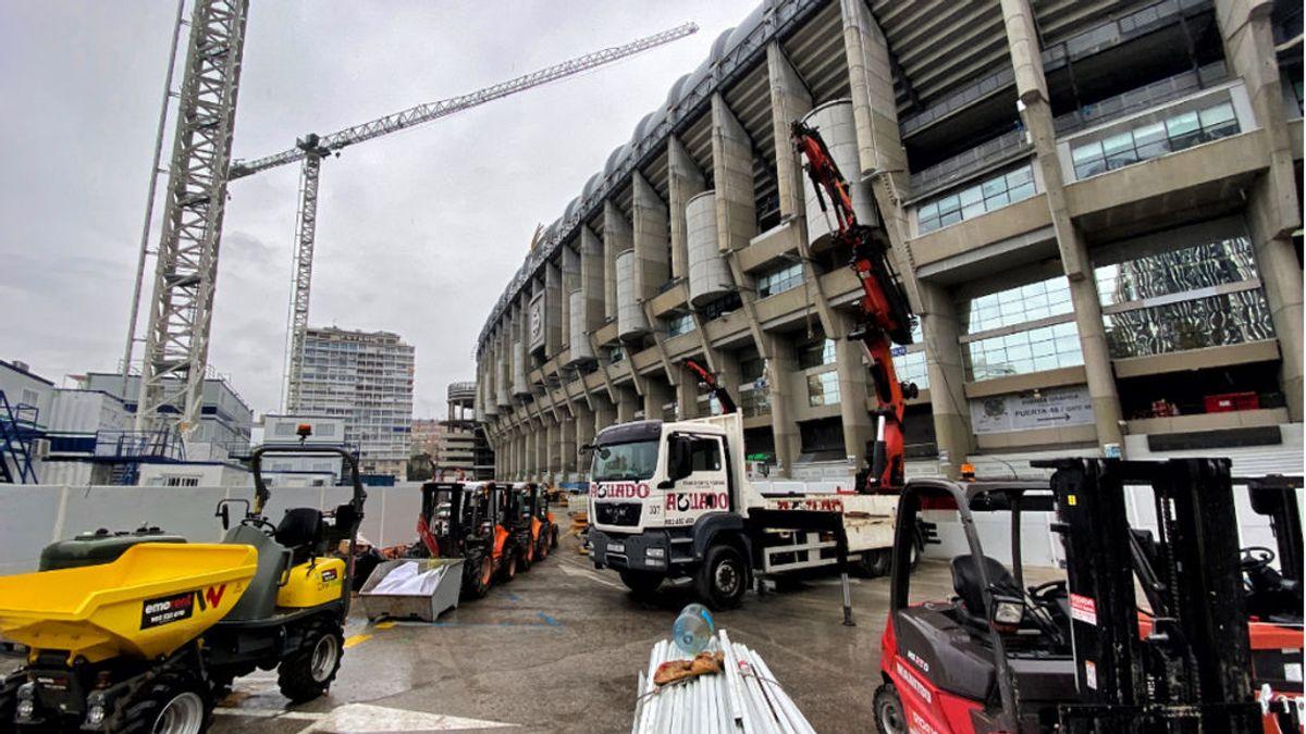 El césped retráctil del estadio Santiago Bernabéu va tomando forma