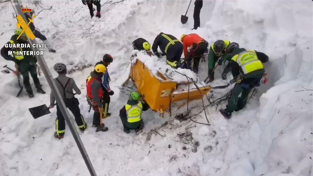 Localizan el cuerpo del segundo operario sepultado por la nieve en San Isidro