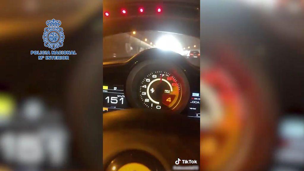 La Policía detiene a un hombre que se grababa conduciendo deportivos a gran velocidad en Madrid