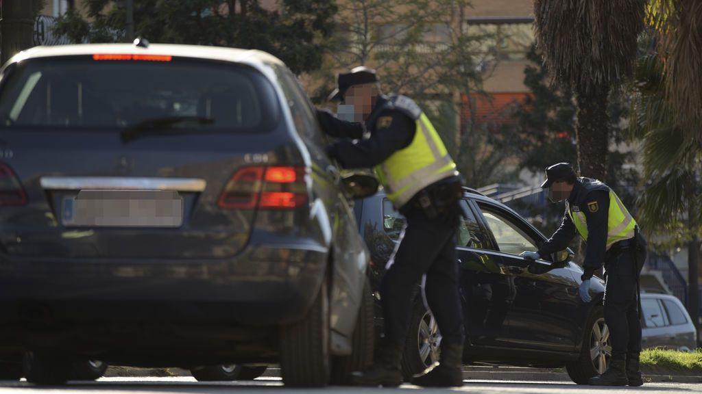EuropaPress_3539817_dispositivo_policial_controlar_cierres_perimetrales_16_municipios