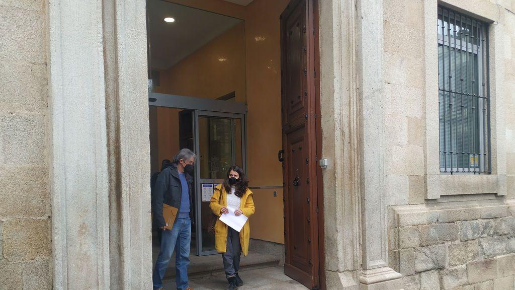 Podemos Extremadura denuncia en la Fiscalía a los que se saltaron el turno de vacunación
