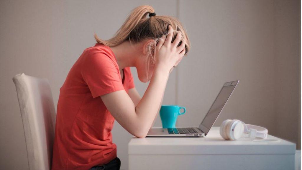 """El fraude de los exámenes online: """"Compartimos pantalla por skipe y te hago la prueba"""""""