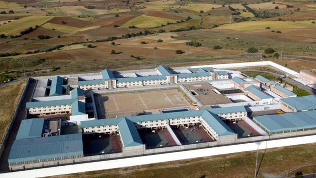 Dos presos intentan fugarse de la cárcel madrileña de Navalcarnero