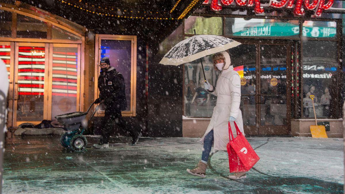 """""""Ese huracán está llegando"""": la predicción de un experto epidemiólogo sobre las variantes del coronavirus"""