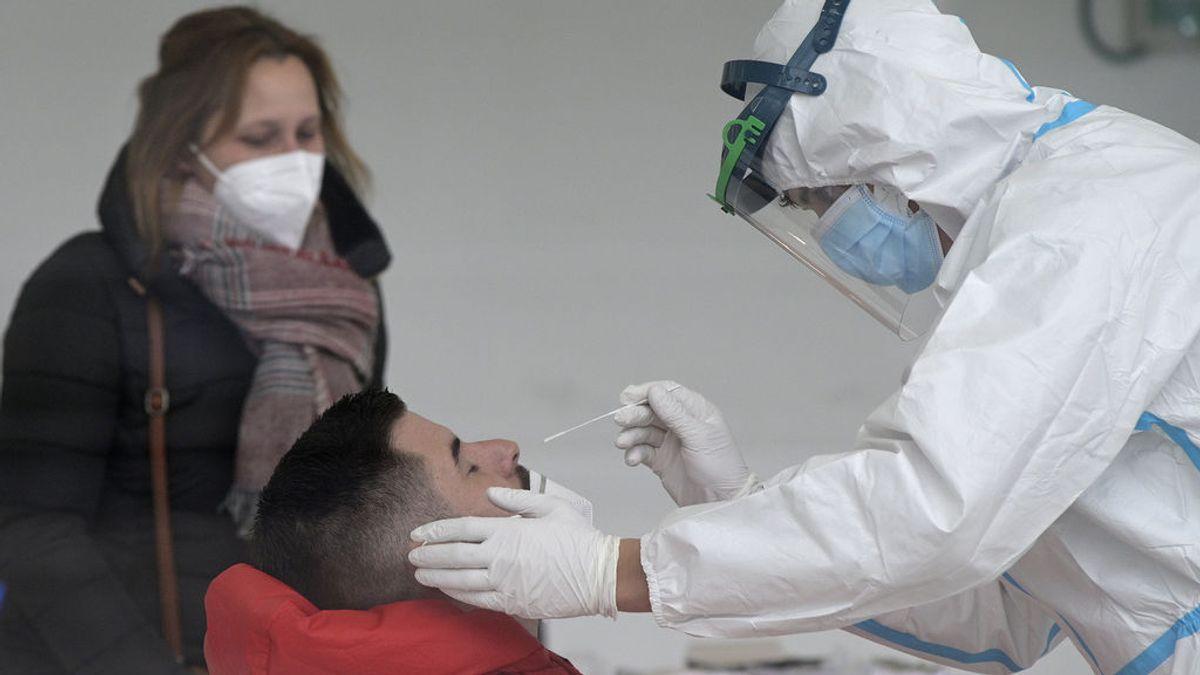 Sanidad registra 724 muertos, récord desde la primera ola, y 29.064 casos