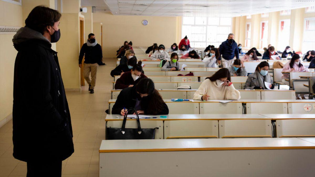 El lío de los exámenes online y presenciales en la Universidad: así lo están viviendo algunos estudiantes